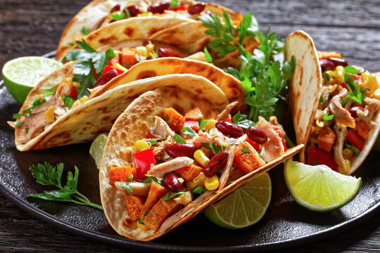 tacos with grilled chicken meat and veggies