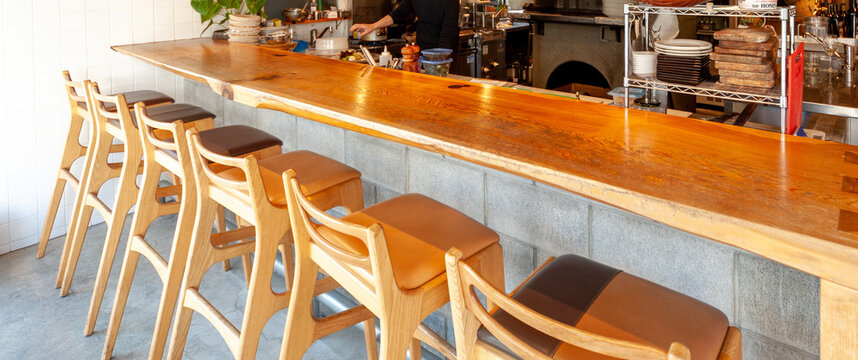 レストラン、バーのカウンター席