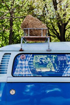 Retro volkswagen bus