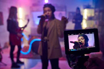 Obraz Display of camera during shooting of music video or performance - fototapety do salonu