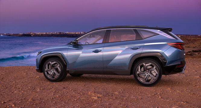 Hyundai Tucson with the seascape in the background