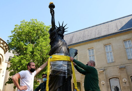 France's second Lady Liberty for U.S. embarks on voyage to New York