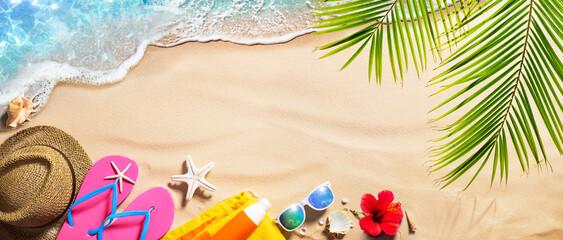 Fototapeta Beach Accessories On Tropical Sand And Seashore - Summer Vacations obraz