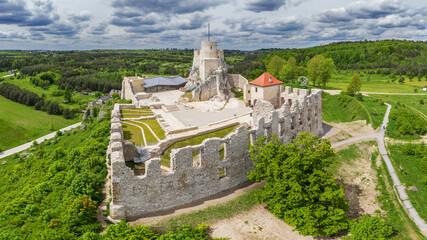 Szlak Orlich Gniazd-zamek Rabsztyn - fototapety na wymiar