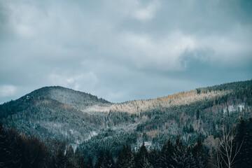 Pasmo górskie zimą