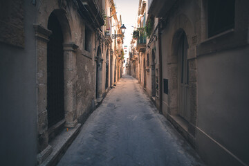 Lost on the streets of Isola di Ortigia in Syracuse, Italy