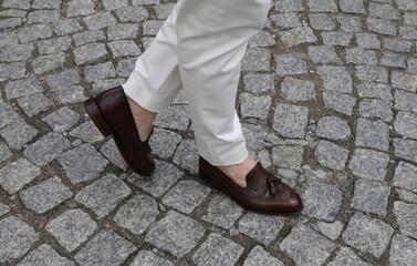 Męskie buty  loafersy. Moda włoska