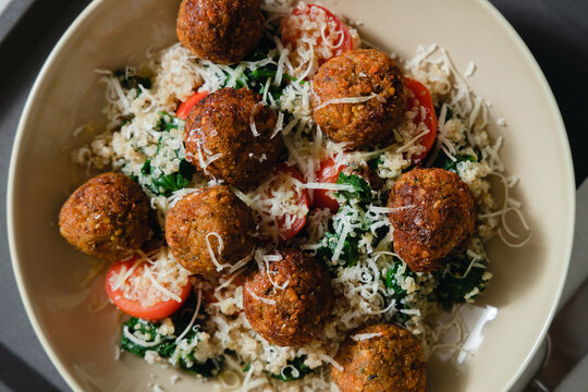 Easy And Gorgeous Meatballs With Quinoa.