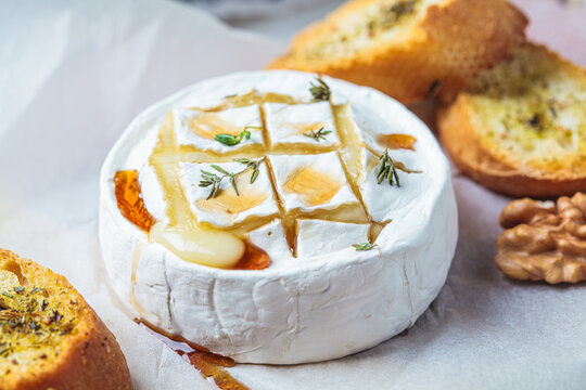 Baked Camembert or Brie with thyme and maple syrup.