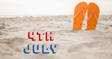 Samenstelling van 4 juli tekst met slippers in zand