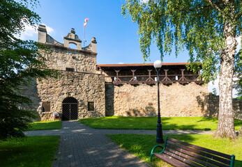 Fototapeta Pozostałość murów obronnych z basztą w Nowym Sączu obraz