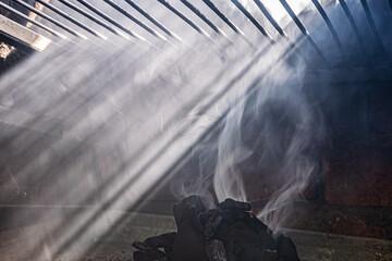 Obraz Grill - węgiel, dym i słońce - fototapety do salonu