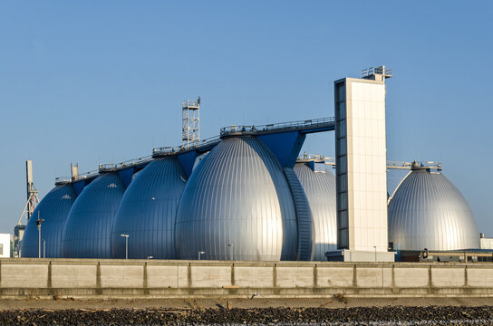 Gas storage tanks in the harbour area in Hamburg, Germany