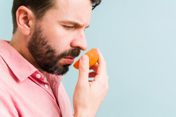 Obraz Hispanic man with a loss of sense of smell - fototapety do salonu