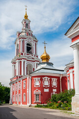 The church of Nikita the Martyr was built in the Baroque style and has remained unchanged to this day. The architecture of the temple feels the approach of the classical era.