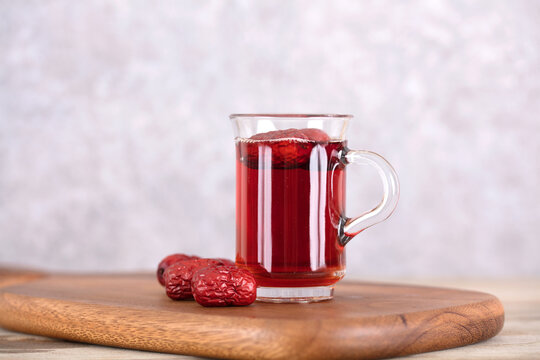A cup of jujube black tea
