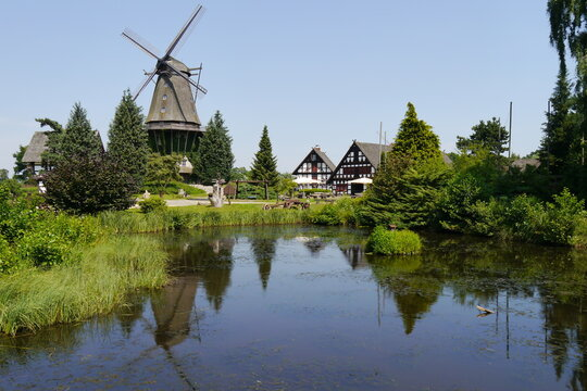 Windmühle am Wasser