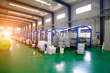 Obraz Packaging equipment, industrial factory automation production li - fototapety do salonu