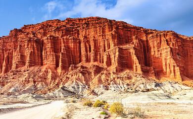 Parc provincial d'Ischigualasto, Talampaya. Valle de la Luna (Vallée de la Lune), Falaise de grès rouge.  Argentine