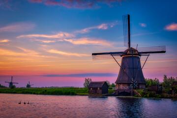 Obraz Windmills at Kinderdijk in Holland. Netherlands - fototapety do salonu