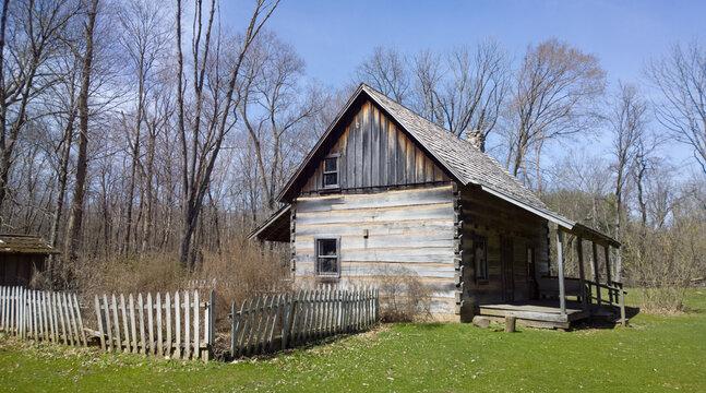 Settler Cabin