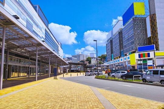 静岡県熱海市の熱海駅前の風景