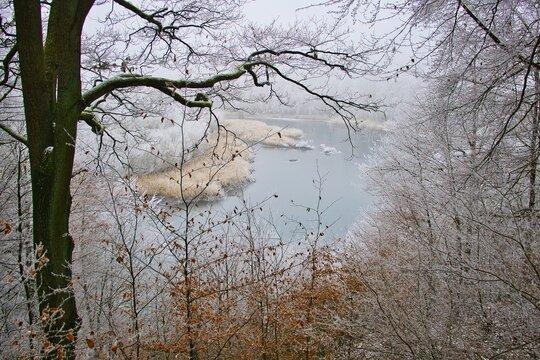 Klärweiher bei Püttlingen-Ritterstraße im Januar bei Eiseskälte