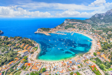 Obraz Aerial view of  Porte de Soller, Mallorca island, Spain - fototapety do salonu