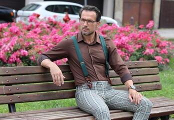 Obraz A HAVING MAN AFTER FORTY - fototapety do salonu