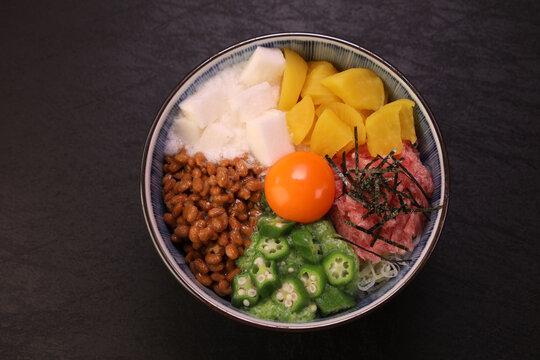 バクダン丼