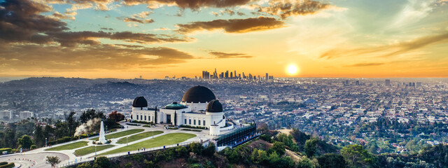 Obraz Los Angeles Griffith Observatory sunset - fototapety do salonu