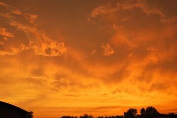 Fototapeta piękny zachód słońca nad miastem obraz