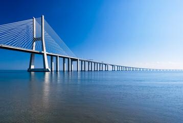 Obraz Most Vasco da Gamy, Lizbona, Portugalia - fototapety do salonu