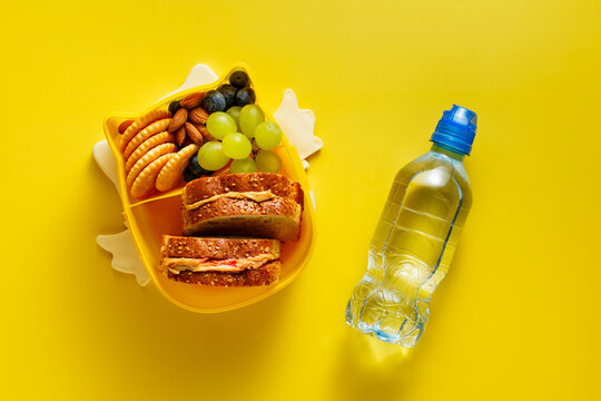 Open lunch box with kid's lunch