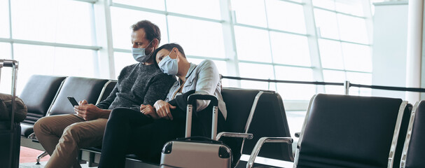 Fototapeta Tourists stranded at airport during covid lockdown obraz