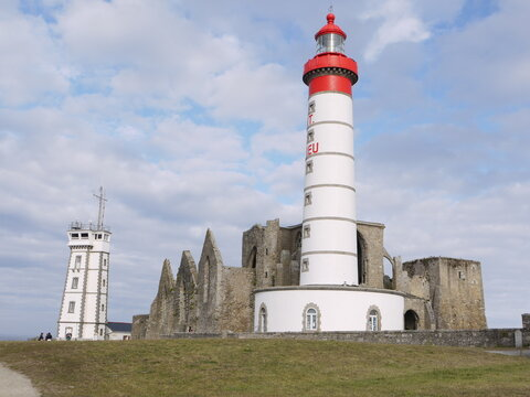 Photo De La Pointe De Saint Mathieu ( Beg Lokmazhe ) Et Phare De Saint Mathieu ( Tour Tan Lokmazhe ) A Plougonvelin 15 Aout 2020