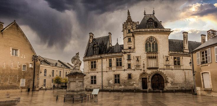 Panoramique du Palais Jacques Coeur