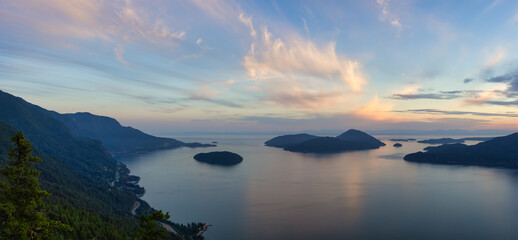 Obraz Tunnel Bluffs Hike, in Howe Sound, North of Vancouver, British Columbia, Canada. Panoramic Canadian Mountain Landscape View from the Peak during sunny summer sunset. - fototapety do salonu