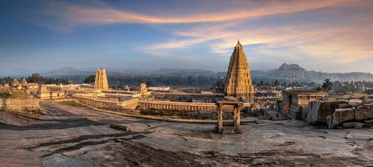 Obraz Stunning view at Sree Virupaksha Temple, Hampi, Karnataka, India - fototapety do salonu