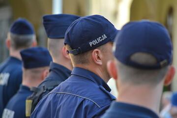 Obraz Policjanci na zabezpieczeniu zgromadzenia LGBT we Wrocław rynek - fototapety do salonu