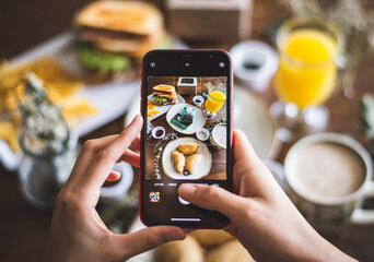 Obraz Phone takin a food photography - fototapety do salonu