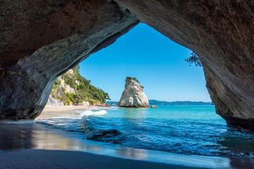 Scenic Cathedral Cove op het schiereiland Coromandel in Nieuw-Zeeland