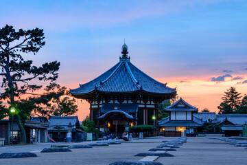 Fototapeta 夕暮れの南円堂(興福寺) obraz