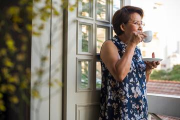 Fototapeta Senior woman drinking tea obraz