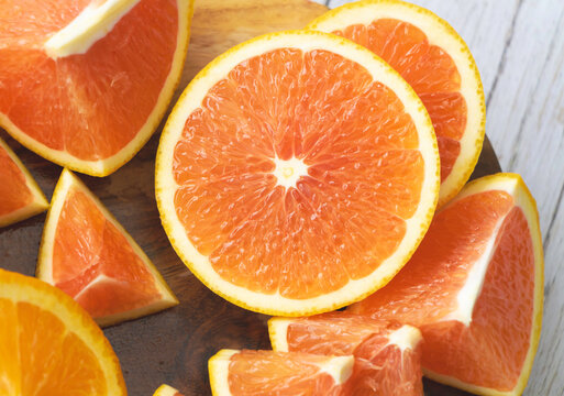 Top view of sliced Orange fruit,show pulp and peel