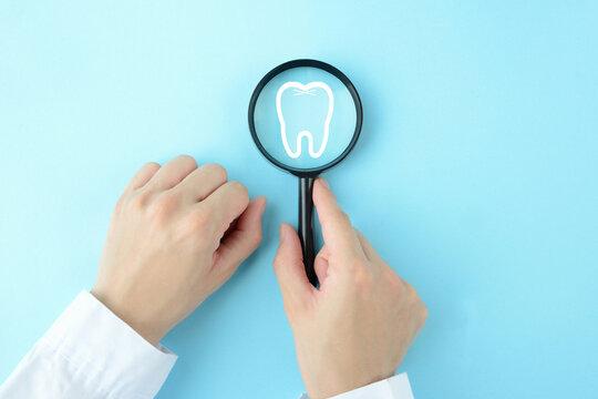 歯の健康状態を確認する歯医者イメージ