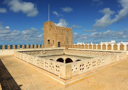Torre y cubiertas del Castillo de Luna ayuntamiento de Rota, provincia de Cádiz Andalucía España