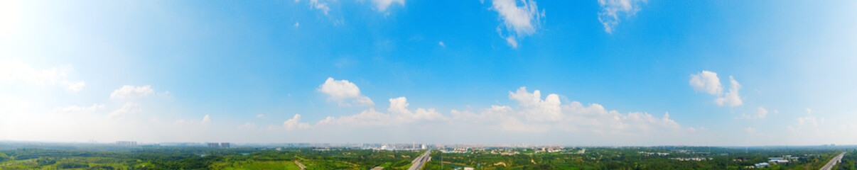 Clear blue sky and white clouds, beautiful natural scenery