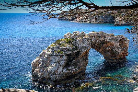 Cala romantica stone arch