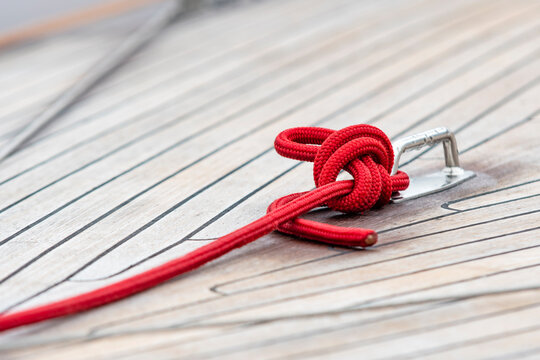 Ropes on board the yacht